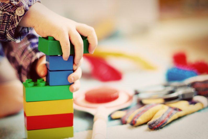 Jeux de construction pour l'instruction en famille
