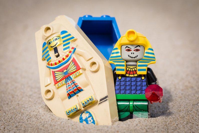Momie Lego