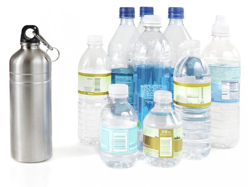 La gourde inox remplace les bouteilles plastiques